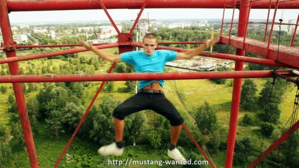 extreme-rooftopping-skywalking-photos-mustang-wanted-russia-14