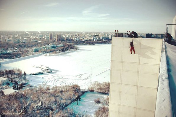 extreme-rooftopping-skywalking-photos-mustang-wanted-russia-15