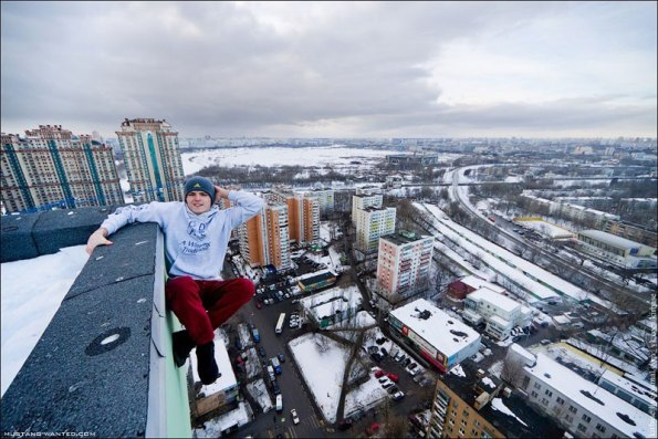 extreme-rooftopping-skywalking-photos-mustang-wanted-russia-17