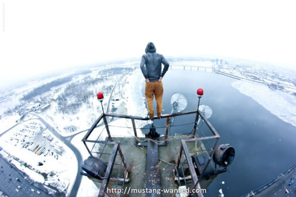 extreme-rooftopping-skywalking-photos-mustang-wanted-russia-5