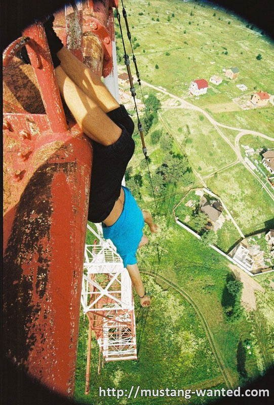 extreme-rooftopping-skywalking-photos-mustang-wanted-russia-9